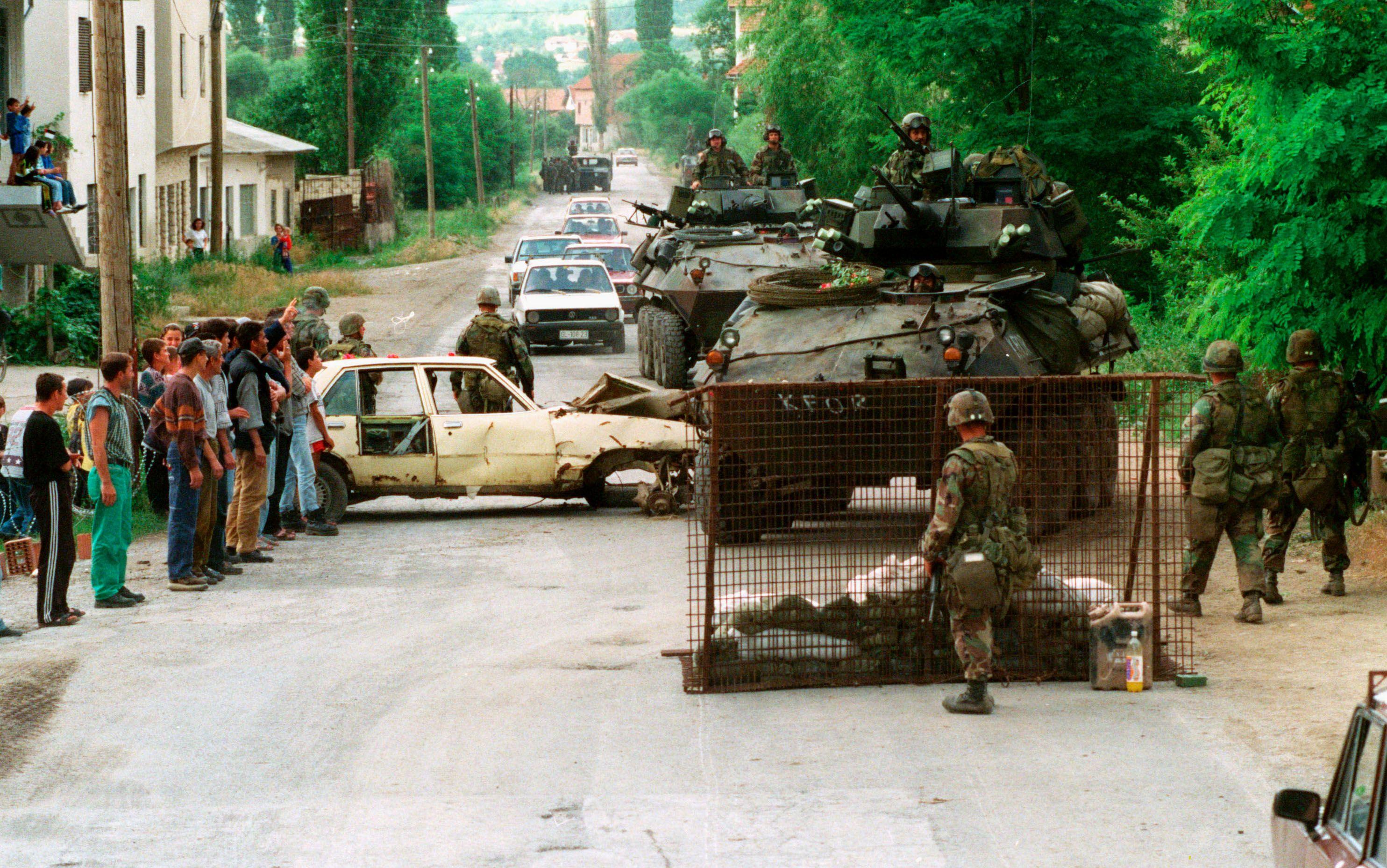 потом еще югославский кризис картинки корректировалось