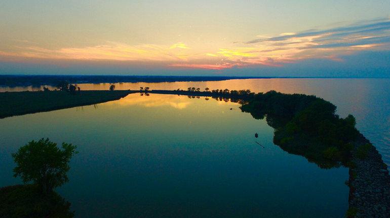 Эри — самое мелководное озеро из всей системы материка,