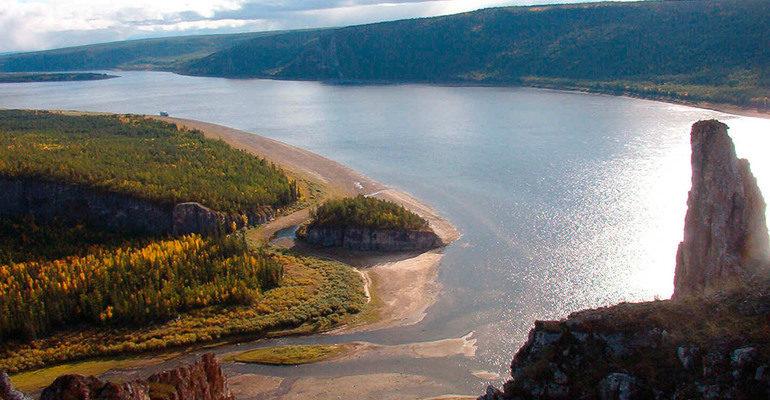 Крупная река Лена